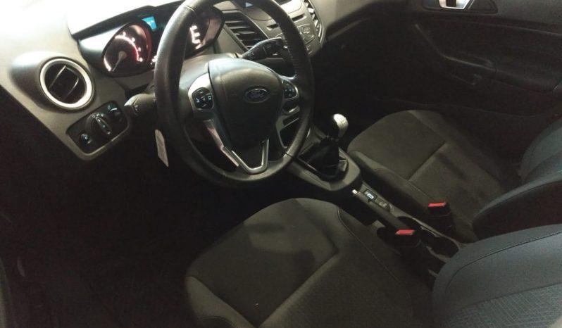 Ford Fiesta 1.6 Se Modelo 2018 12000 km Color Plateado completo