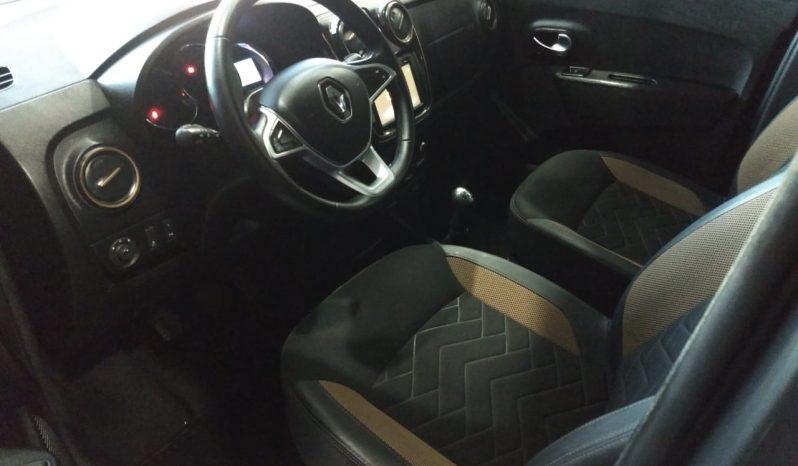 Renault Kangoo Stepway 1.5 DCI Modelo 2018 31000 km Color Gris completo