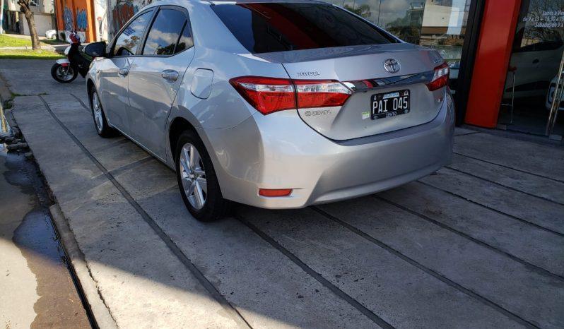 Toyota Corolla XEI Modelo 2015 78000 km color plata completo