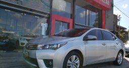 Toyota Corolla XEI Modelo 2015 78000 km color plata