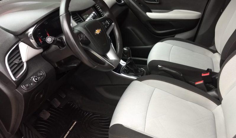 Chevrolet Tracker 1.8 LTZ Modelo 2017 32000 km Color Plateado completo