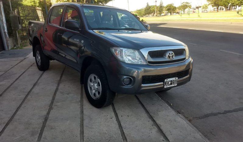 Toyota Hilux 2.5 DX 4×4 Modelo 2010 180000 km color Gris completo